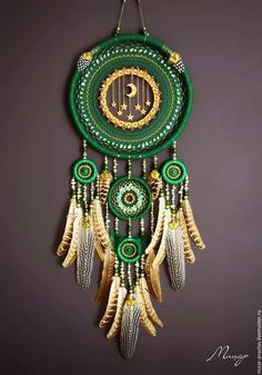Stunning Dream Catcher Ideas to get only Pleasant Dreams -TastyMattersDream Catchers are Widely Used as Home Decor.Here are Some Handpicked Dream Catcher Ideas to Protect You from Bad Dreams,Nightmares,Negativity Boho home decor, Hippie wall hanging, Gyps Dream Catcher Decor, Dream Catcher Boho, Making Dream Catchers, Diy Tumblr, Dreamcatchers, Beautiful Dream Catchers, Diy And Crafts, Arts And Crafts, Creation Deco