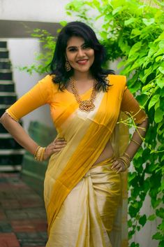 Beautiful Women Over 40, Beautiful Girl Photo, Beautiful Girl Indian, Most Beautiful Indian Actress, Beautiful Saree, Beauty Full Girl, Beauty Women, Beauty Girls, Bollywood