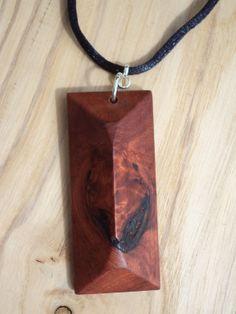 ornement en bois taillé dans une pièce par houtcreatie sur Etsy