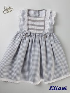 Frocks For Girls, Little Girl Outfits, Little Girl Dresses, Kids Outfits, Baby Frocks Designs, Kids Frocks Design, Kids Dress Wear, Toddler Dress, Cute Dresses