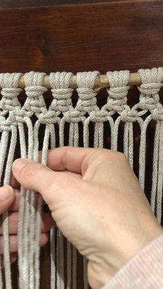 Macrame Plant Hanger Patterns, Macrame Wall Hanging Patterns, Macrame Art, Macrame Design, Macrame Knots, Macrame Patterns, Art Macramé, Macrame Curtain, Micro Macramé