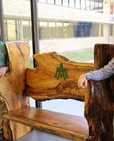 When you make something gorgeous from something dead. What a story!  #benchlovers  #woodbenches Click link to read all about it #benchesaroundtheworld #thebenchmaster
