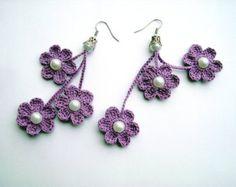 Articoli simili a Viola all'uncinetto orecchini Crochet Flower orecchini all'uncinetto gioielli Eco amichevole donna ragazza su Etsy