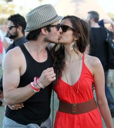 Nina dobrev dating ian somerhalder 2012