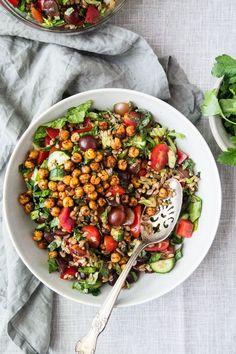 Farro Salad w/ Crispy Chickpeas + Sumac Vinaigrette - The Green Life