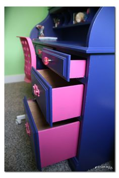 I LOVE THIS IDEA!! diy painted desk with a peekaboo hidden drawer surprise - fun way to add color without being too wild...  Sugar Bee Crafts