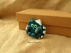 Green Cute CatAbigail Smycken Polymer Clay Projects, Polymer Clay Jewelry, Etsy Jewelry, Handmade Jewelry, Jewelry Making, Stud Earrings, Green, Cute, How To Make