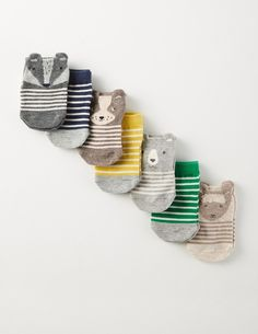 Bless these cotton socks! This pack of seven will keep your little boy's feet fresh and cosy all week long. Chunky stripes and tractor motifs add a touch of fun. We've popped them in a special box, so they're a perfect present for any new mum.