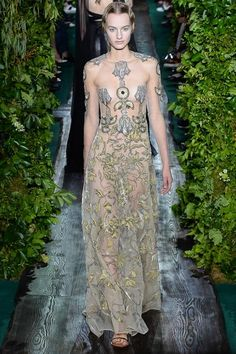 """Valentino Fall 2014 Couture: """"By the Waters of Babylon"""", dress in canapa colored organza, red and zinc lamé Egyptian lotus applications, embroidered with wheat and crystal colored velvet flowers."""
