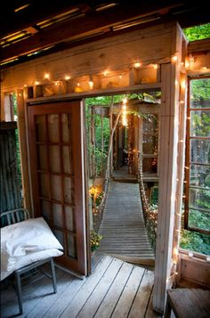 26 Times Twinkle Lights Made Everything Better-just thought of doing like a cool tree house bridge to another treehouse like this behind grandmas house Bohemian House, Bohemian Interior, Outdoor Spaces, Outdoor Living, Outdoor Retreat, Cool Tree Houses, Twinkle Lights, String Lights, Interior Exterior