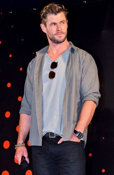 Hemsworth Brothers, Chris Hemsworth Thor, Mens Fashion Suits, Haircuts For Men, Perfect Man, Beautiful People, Blues, Handsome, Men Casual