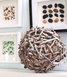 Gartendeko selber machen: DIY Gartenkugeln driftwood ball as creative decoration idea for patio and Beach Crafts, Diy And Crafts, Arts And Crafts, Driftwood Projects, Driftwood Art, Diy Projects To Try, Craft Projects, Craft Ideas, Project Ideas