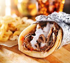 Gyros Griego Te enseñamos a cocinar recetas fáciles cómo la receta de Gyros Griego y muchas otras recetas de cocina..