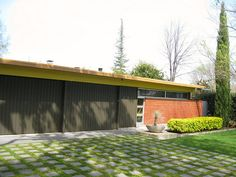 eichler house, grass driveay, color scheme, minimalist landscaping, so much to love here