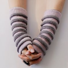 Ravelry: Krokus / Crocus pattern by Stella Charming fingerless mitts, cuffs