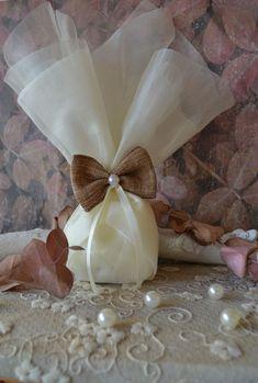 Μπομπονιέρα γάμου με ιβουάρ τούλι, φιόγκο λινάτσα και πέρλα λευκή γάμος #νύφη #εκκλησία #bride #wedding #μπομπονιερες #μπομπονιεραγαμου #μπομπονιέρες #μπομπονιέρα #μπομπονιερεσ #μπομπονιερεςγαμου #μπομπονιερα #τούλι  #μπομπονιερες_γαμου #mpomponieres_vintage #mpomponieresgamou #mpomponiera #mpomponieragamou #mpomponieres  #mpomponieresgamouwedding #bow Wedding Planning, Wedding Ideas, Girls, Vintage, Toddler Girls, Daughters, Maids, Vintage Comics, Wedding Ceremony Ideas