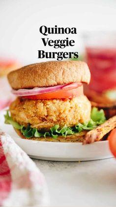 Quinoa Veggie Burger, Vegan Burgers, Homemade Veggie Burgers, Gourmet Burgers, Burger Recipes, Vegetarian Recipes, Cooking Recipes, Healthy Recipes, Delicious Recipes