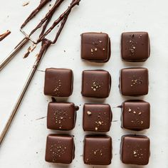 Black Pepper Chocolate Truffles - Makes: about 60 Preparation time: 35 minutes plus setting time You will need For the Ganache: heavy cream 3 tbsp light … Chocolate Deserts, Chocolate Heaven, Chocolate Gifts, Chocolate Truffles, Chocolate Lovers, Chocolate Recipes, Easy Halloween Food, Truffle Recipe, Eat Dessert First