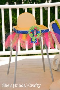 She's {kinda} Crafty - one year old high chair decoration- brilliant!