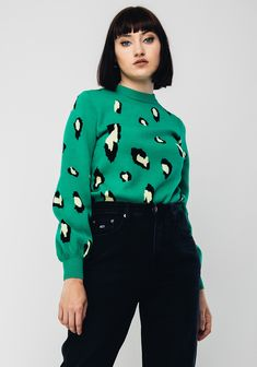 Brand: Darling Style Code: Colour: Green Sleeves: Long Sleeves Fit: Regular Fit Features: Animal print throughout Materials: Rayon, Animal Print Jumpers, Long Sleeve, Fitness, Green, Sleeves, Color, Shopping, Clothes, Tops