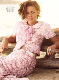 Kristen Stewart - Alexi Lubomirski Photoshoot for Harper's Bazaar UK, June 2015 HQ and UHQ Images Kristen Stewart Interview, Kristen Stewart Chanel, Kristen Stewart Hair, Fashion Editor, Fashion News, Short Hair Cuts, Short Hair Styles, Celebrity Photographers, Brunette Beauty