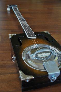 Gordon Smith guitares datant Quand le gars que vous sortez vous ignore