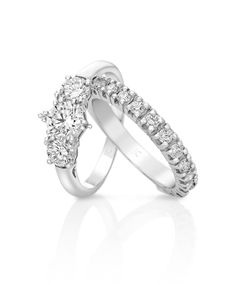 Trilogy engagement ring with wedding band in white gold [750]