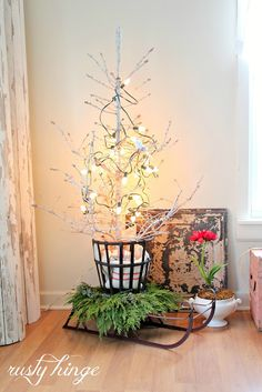 Rusty Hinge Christmas House Tour via Eclectically Vintage