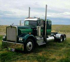 KW 900L 3 Axle
