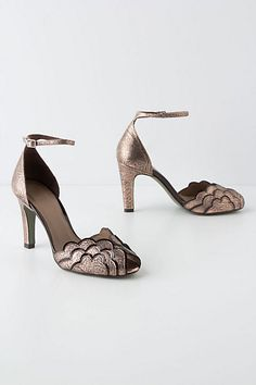 Rivera Scalloped Pumps #anthropologie