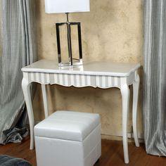 meuble peint avec rayures