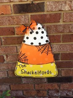New Snap Shots Items similar to Candy Corn Door Hanger on Etsy Ideas Your individual door hanger Sure, the classic is needless to say the door pendant, where on leading Halloween Wood Crafts, Halloween Rocks, Halloween Signs, Halloween Projects, Holidays Halloween, Fall Crafts, Halloween Crafts, Holiday Crafts, Halloween Decorations