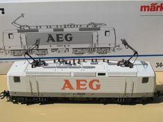 MARKLIN ELECTRIC AEG LOCOMOTIVE MODEL TRAIN # BR 143 / 3441 HO SCALE IN BOX