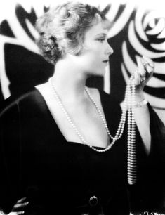 Esther Ralston, 1928 photographed by Russell Ball