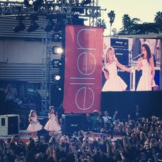 Sophia Grace and Rosie opening for One Direction on Ellen