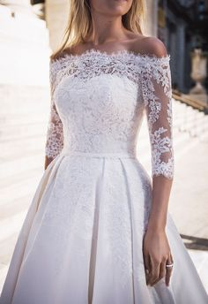 Pronovias It Bride Blair Eadie of Atlantic-Pacific in New York City // for fans of Gossip Girl // Serena Van der Woodsen fashion wedding dress