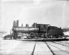 Ottawa and Gatineau valley Railway locomotive train on turntable Ottawa Valley, Train Room, Wakefield, Model Trains, Locomotive, Turntable, Layout, History, Photos