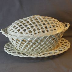 CREAMWARE LEEDS WARE POTTERY Large CHESTNUT BASKET LEEDS  1780-1800