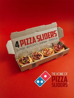 Domino's Pizza Sliders launch in New Zealand - great idea! Originating in Domino's India, Domino's Pizza Sliders feature a pack of four individually sized pizzas, and they're now available in New Zealand. Pizza Branding, Pizza Logo, Domino's Pizza, Pizza Restaurant, Logo Pizzeria, Food Truck Design, Food Design, Pizza Box Design, Comida Pizza