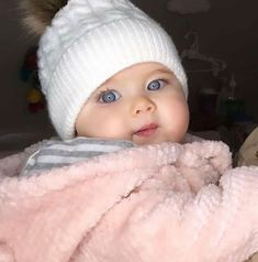 54 New ideas for beautiful children girls hats Cute Kids Pics, Cute Baby Girl Pictures, Baby Girl Images, Cute Baby Boy, Cute Little Baby, Baby Kind, Cute Baby Clothes, Little Babies, Baby Baby