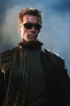 A gallery of Terminator Rise of the Machines publicity stills and other photos. Featuring Arnold Schwarzenegger, Kristanna Loken, Nick Stahl, Claire Danes and others. Terminator 1984, Terminator Movies, Series Movies, Film Movie, Stallone Schwarzenegger, Gta 5, Arnold Schwarzenegger Bodybuilding, Man In Black, James Cameron