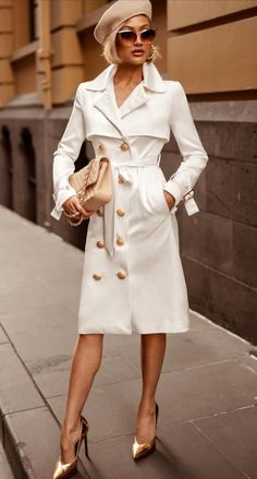 ge of micah gianneli wearing coat - Elegant Fall Outfits To Inspire You Paris Chic, Classy Outfits, Chic Outfits, Fall Outfits, Fashion Outfits, Womens Fashion, Fashion Beauty, Fashion Trends, Mode Statements