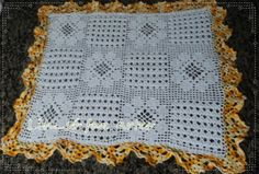 toalha de mesa em croche motivo flores quadrada  http://inovartartesanatosemeva.blogspot.com.br/2014/04/toalha-de-mesa-em-croche-trilho-de-mesa.html