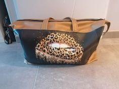 Sac Java en simili imprimé léopard cousu par Laura - Patron Sacôtin