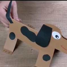 Chien tacheté tridimensionnel … www. Puppet Crafts, Dog Crafts, Family Crafts, Animal Crafts, Cute Crafts, Crafts To Do, Crafts For Kids, Kindergarten Crafts, Preschool Crafts