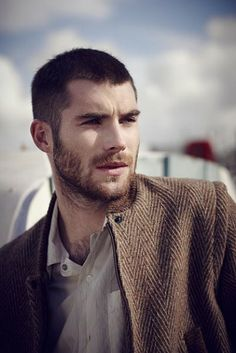 Buzz Cut Hair For Men - 40 Low Maintenance Manly Hairstyles Buzz Cut Hairstyles, Long Face Hairstyles, Cool Hairstyles For Men, Mens Hairstyles 2014, Men's Haircuts, Latest Hairstyles, Buzz Cut For Men, Buzz Cut With Beard, Buzz Cuts