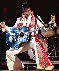 Fotos maravilhos do rei do rock em 1975