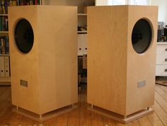Altec - Et maintenant . Music Speakers, Sound Speaker, Diy Speakers, Built In Speakers, Bluetooth Speakers, Acoustic Design, Audio Design, Speaker Design, Homemade Speakers