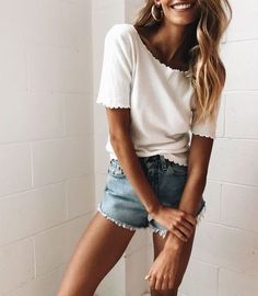 Latest Summer Outfits Collection. Lovely Look. The Best of fashion in 2017.