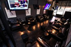 The owner of Hammer & Nails, Michael Elliot, wants this place to become a man-cave where men can let loose and leave their problems at the door. Opening in LA next month, the salon is furnished with oversized leather sofas and personal TVs with headphones, complete with a selection of popular sports channels. Complimentary beverages will also be offered – Elliot is looking to offer free beer and scotch as soon as he obtains his liquor license.